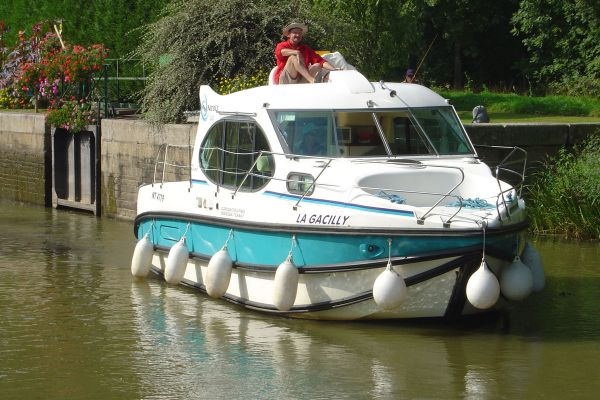 Estivale Duo 2 4 Berth Canalboat Nicols Estivale Series