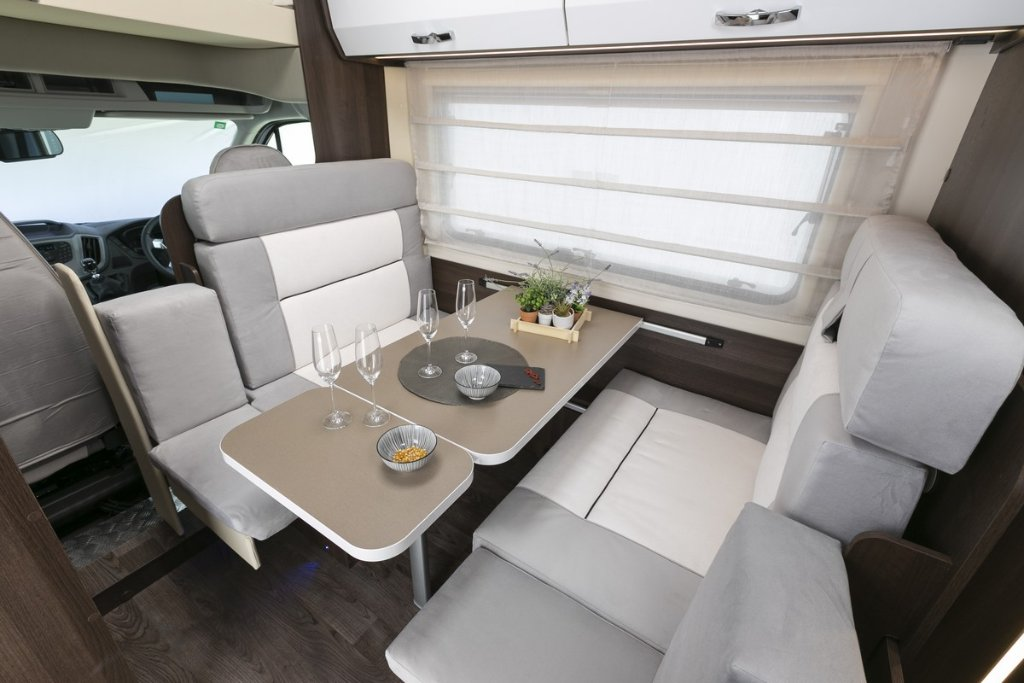 Picture of: Adventurer 6 Berth With Bunk Beds Motorhome Vehicle Information Just Go Motorhomes